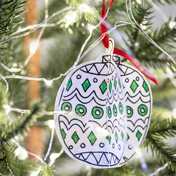 EGGNOGG COLOUR-IN 3D CHRISTMAS DECORATIONS